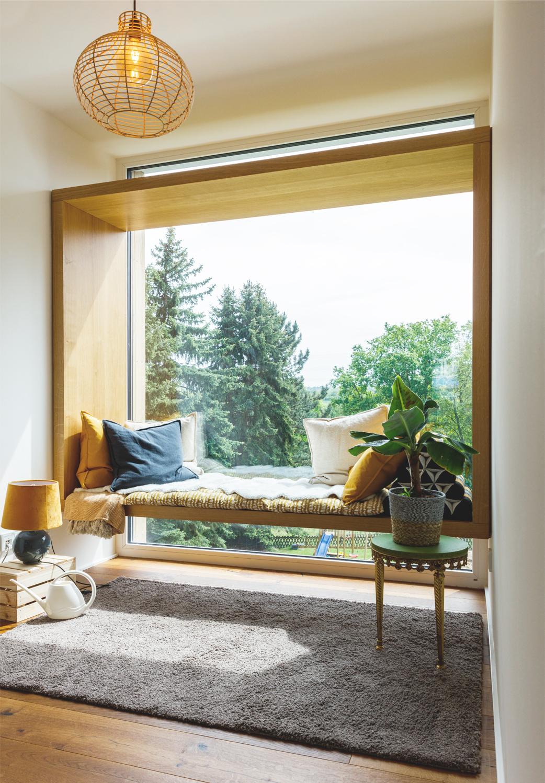 Sitzfenster Obergeschoss mit Blick zum Garten